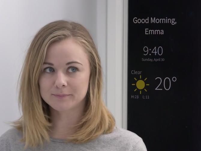 Startup oferece espelho com projeção de informações digitais